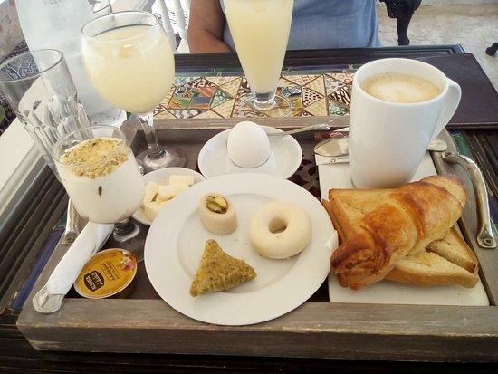 Cuisine Tout En Un | Un Petit Dejeuner Au Restaurant El Ali Pas Copieux Du Tout