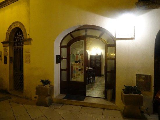Rua De Li Travai: Ingresso del ristorante
