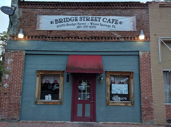 White Springs, فلوريدا: Bridge St Cafe in downtown White Springs