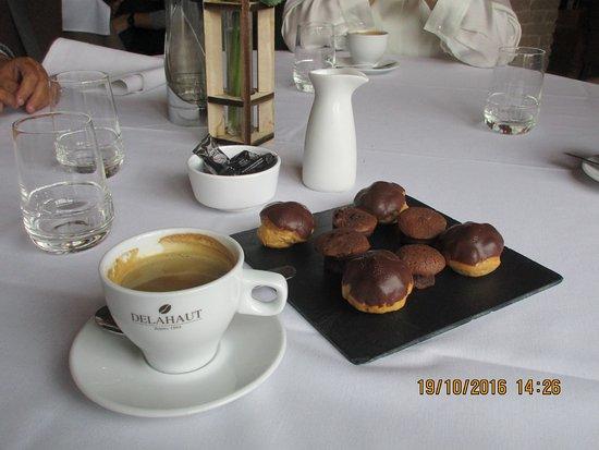 Chateau de Namur - L'Ermitage : Café et ses mignardises