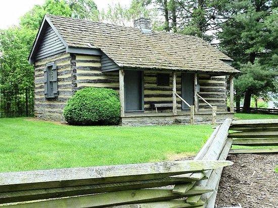 Sinking Spring Cemetery : parson cummings cabin