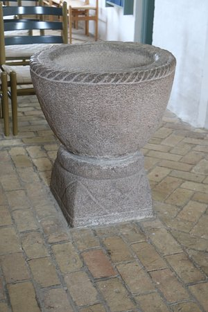 Jyderup, Danimarka: Granite Font