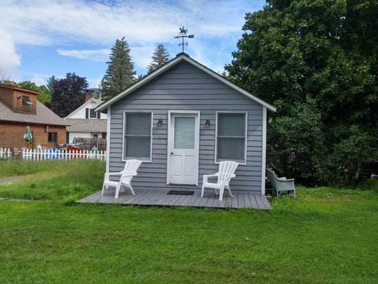 Hunter, NY: Rip's Efficiency Cabin separate from main house sleeps 2