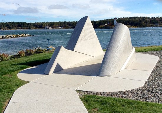Lubec, ME: The wave engraved with names of the lost fishermen