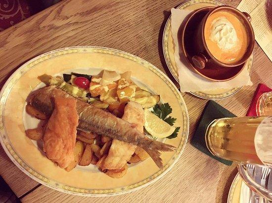 zum brandanfang zuppa di pesce e piatto di pesce misto