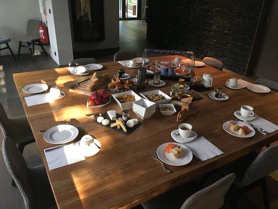 Fuveau, Francia: Frühstück