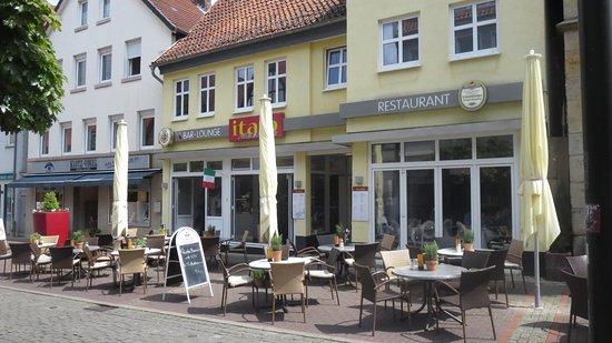 Stadthagen, Alemania: Eingangsbereich mit Außenterrasse