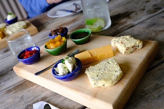 Packwood Country Estate : The homemade cheese from their own Jersey cows - which was awesome!