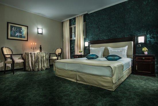 Asenovgrad, Bulgaria: Suite