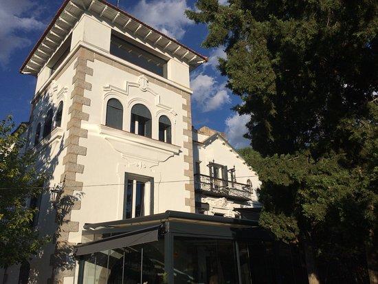 Collado Mediano, Испания: vue sur la tour de l'hôtel
