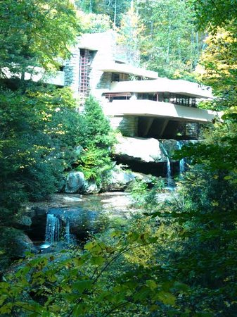 Mill Run, PA: View of Fallingwater