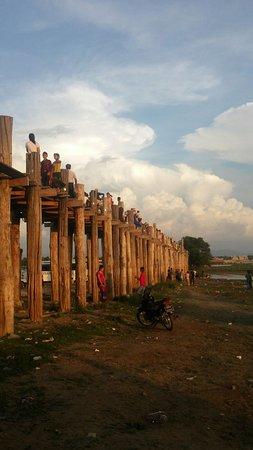 Amarapura, Birma: IMG-20161016-WA0026_large.jpg