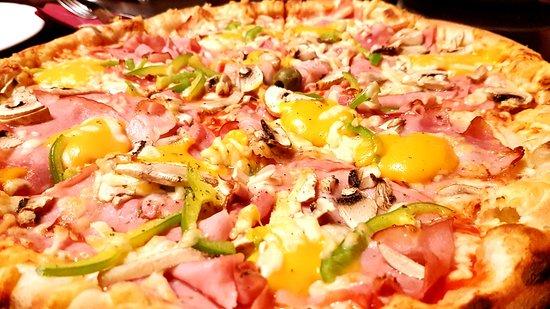 Domzale, Eslovenia: Pizza