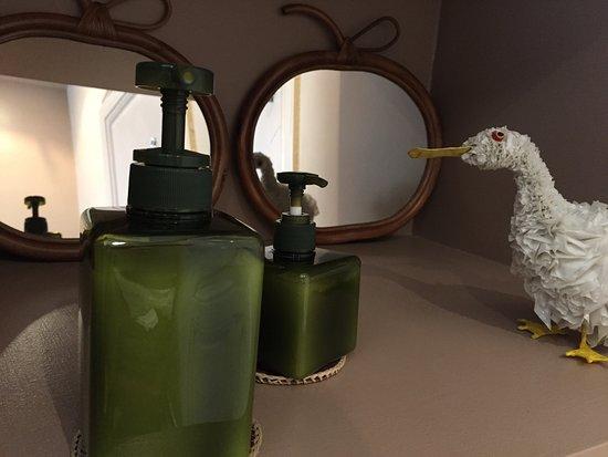 Bed in Versailles villa de la pièce d'eau des suisses : Salle de bain