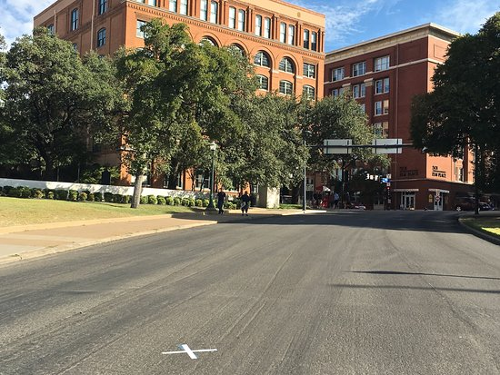 ‪Dealey Plaza National Historic Landmark District‬