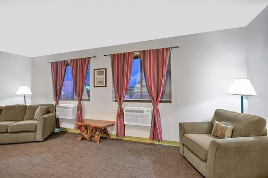 Ticonderoga, estado de Nueva York: Lobby