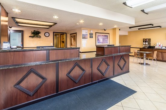 Grove City, OH: Lobby