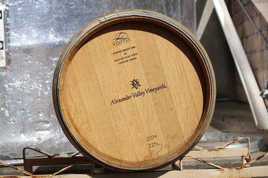 Healdsburg, CA: Wine barrel