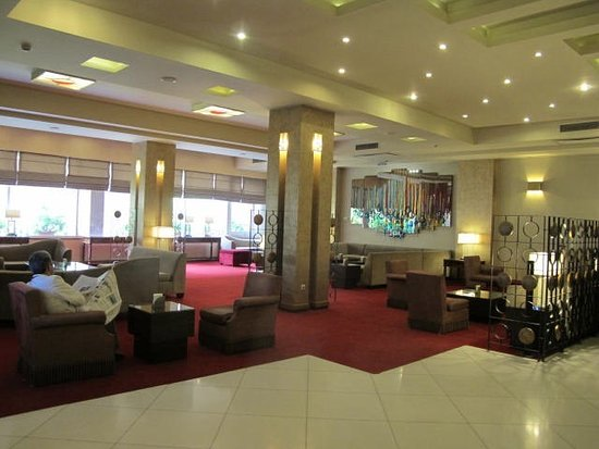 Hotel Ferdous: Part of the lobby & reception area.