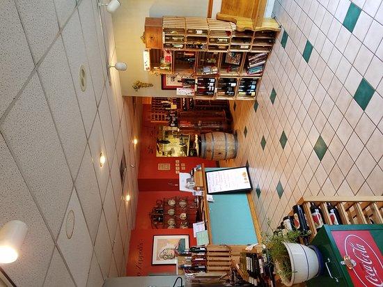 แบล็กส์เบิร์ก, เวอร์จิเนีย: Zeppoli's has such a classy atmosphere