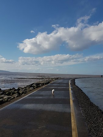 Wirral, UK: Walk around boating lake at West Kirby