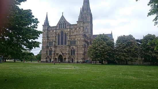 Salisbury Cathedral grounds