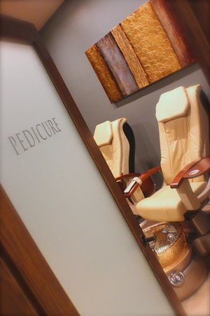 Janesville, WI: Peek into the Pedicure Room.