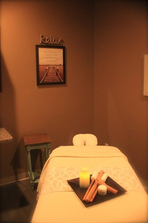 Janesville, WI : Massage/ Facial & Body Treatments