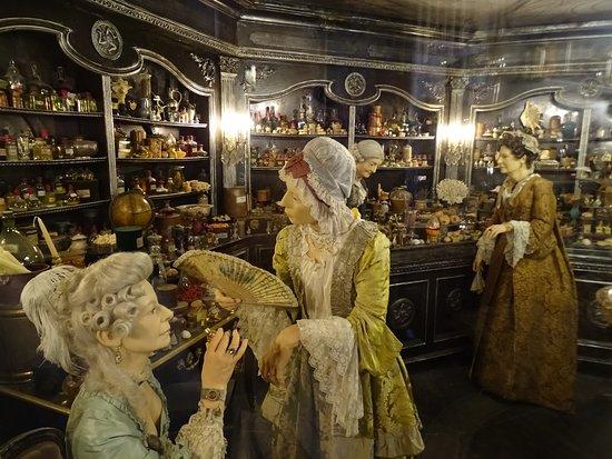 Perfume Set Picture Of Musee Miniature Et Cinema Lyon Tripadvisor