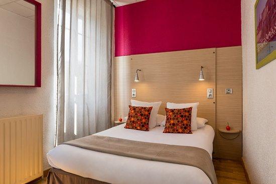 Hotel Edmond Rostand  Rue Dragon Marseille