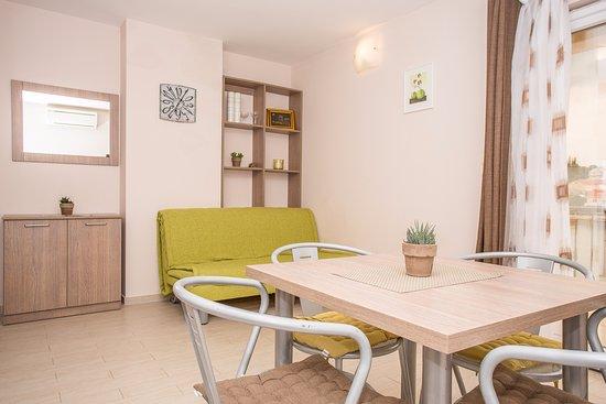 Lumbarda, Croatia: Apartment Family