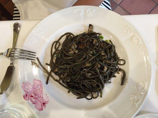 Castrocielo, Italia: nero di seppia interessante , buono e con un discreto sapore , sicuramente migliorabile