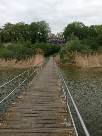 Prenzlau, Alemania: Blick auf das Restaurant vom See aus