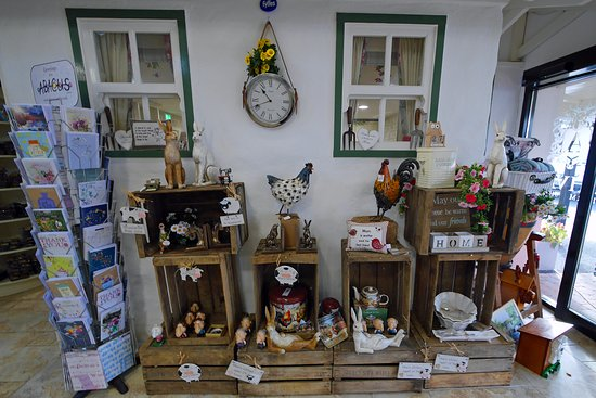 Lisburn, UK : Craft items for sale (Including paintings).