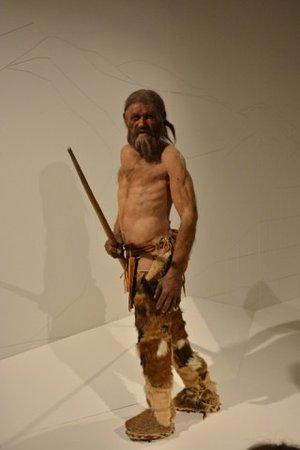 Südtiroler Archäologiemuseum : ....