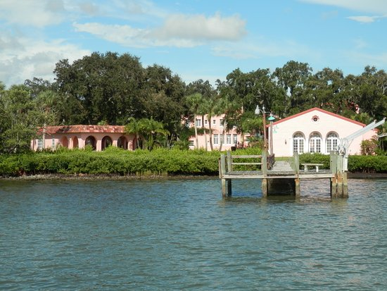 """Madeira Beach: Hubbard's Dolhin Cruise~~Pink building from movie """"Cocoon"""""""
