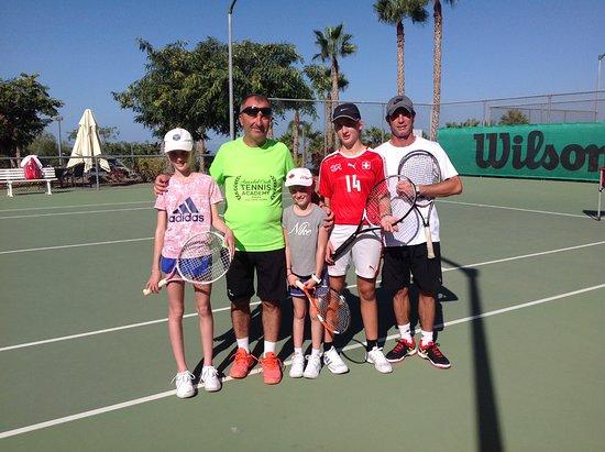 Arona, İspanya: Children group tennis