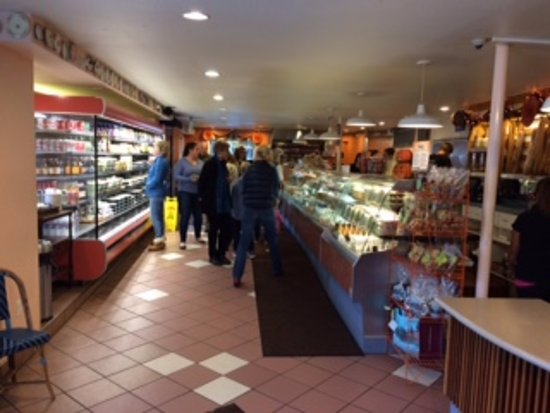 Gayle's Bakery & Rosticceria : Salads/Sandwiches, cold & hot foods