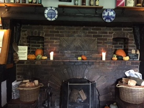 The Broom Tavern : The Winter Fireplace