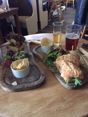 The Broom Tavern : The Food...Excellent..!