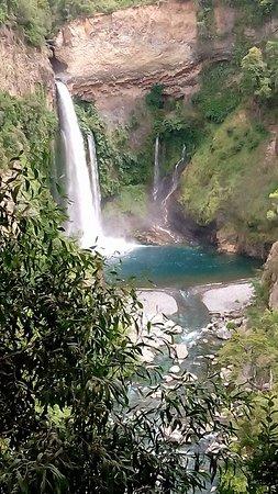 5b6f55c3e1 Salto velo de la novia  fotografía de Parque Nacional Radal Siete ...