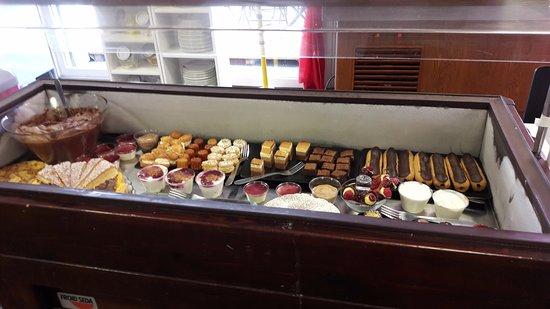 Villefranche-de-Lauragais, Frankrike: Les desserts changent assez souvent