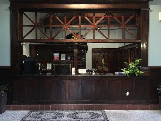 Edgewater Hotel: photo1.jpg
