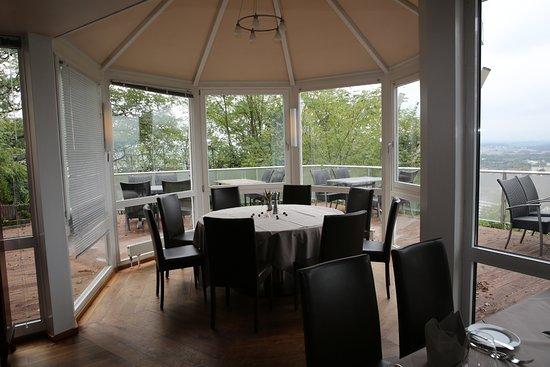 Homburg, Alemania: Hotel Schlossberg, Restaurant Vauban. La rotonde, vue magnifique sur la ville.