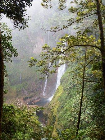 Bajos del Toro, Costa Rica: Desde otro ángulo