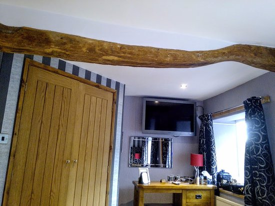 Appleby-in-Westmorland, UK: Oak beams in 17th century Royal Oak, Appleby