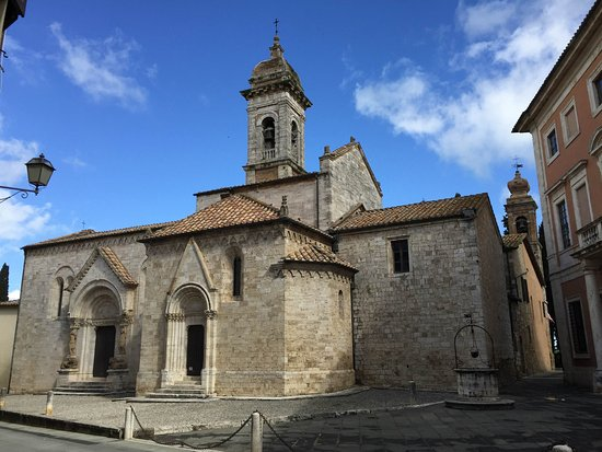 San Quirico dOrcia, Italia: Lovely church...