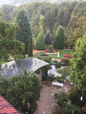 Durbach, Tyskland: прекрасный парк под окном
