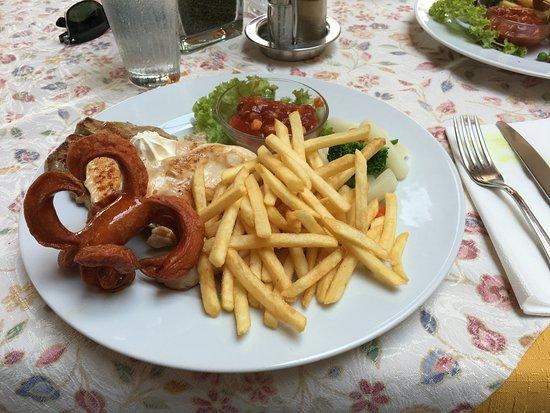 Styria, Austria: Grillteller