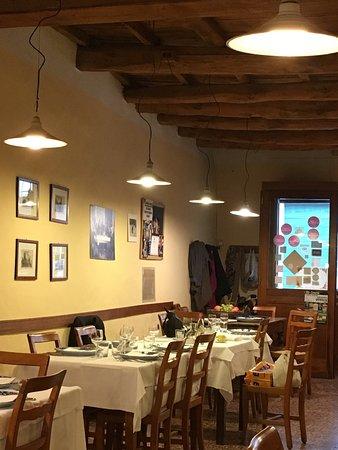 Ristorante E Parlaminte 39 In Bologna Con Cucina Italiana